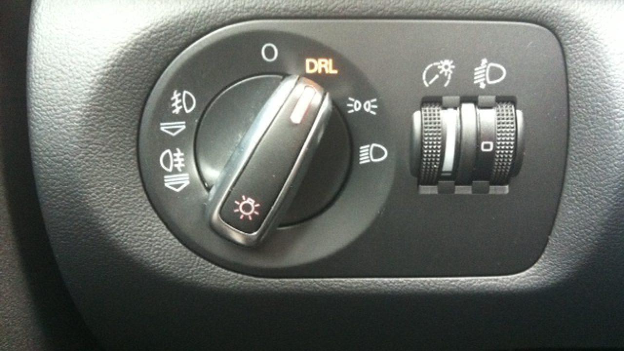 Was Bedeutet Drl Am Scheinwerfer Schalter Autoirrtum De Irrtumer Rund Um Auto Verkehr Und Technik