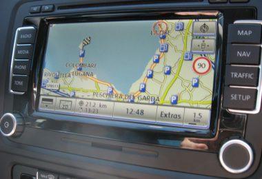 Beispiel für ein aktuelles Top-Onboardsystem: Das RNS 510, das in vielen Volkswagen verbaut ist